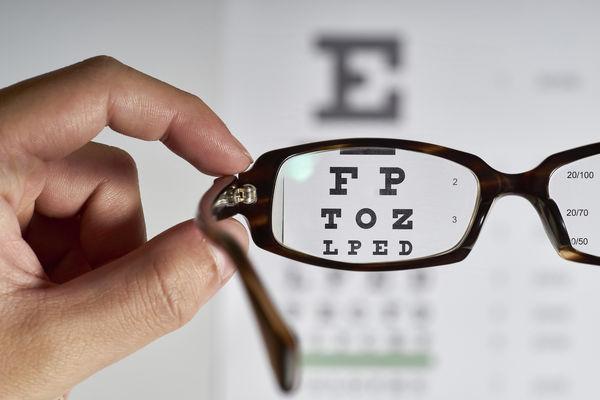 آیا کرونا بر روی بینایی کودکان تاثیر دارد؟
