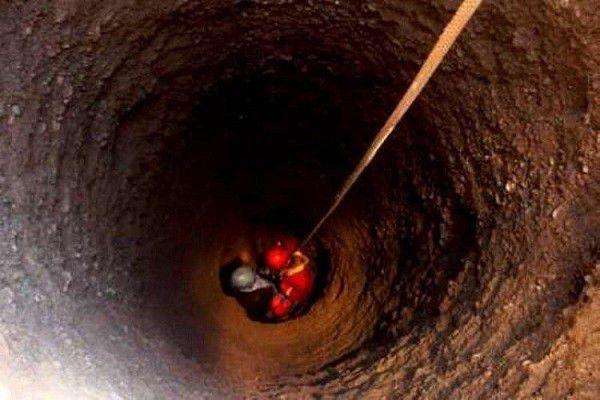 نجات معجزه آسای کودک سه ساله از کام مرگ در چاه ای به عمق 10 متری