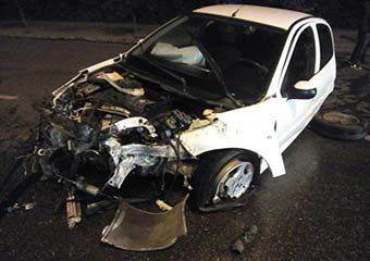 تصاویر/ تصادف شدید خودروی 206 در جاده ناهارخوران گرگان