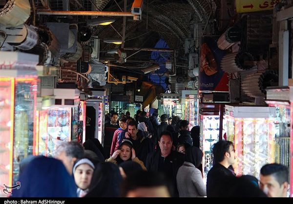 نابهسامانی بازار کالاهای اساسی در سایه بی عملی دولت/ روغن همچنان گران و نایاب است