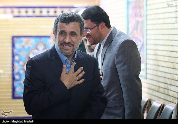 عکس/ احمدی نژاد در مراسم سالگرد شهید صیاد شیرازی