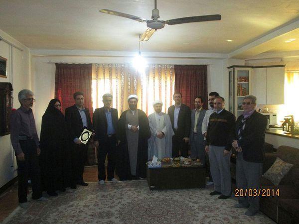 دیدار کمیته دانشجویی ستاد دهه فجر گنبد کاووس با خانواده شهید دانشجو
