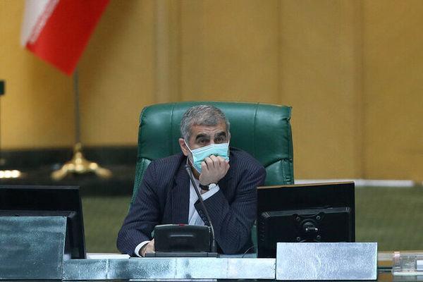 دولت برای ترخیص کالاهای اساسی از گمرک اقدام کند