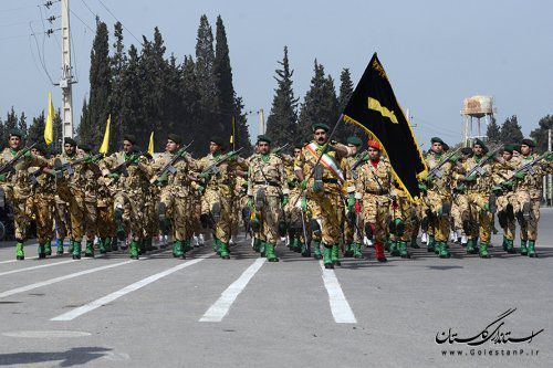 رژه نیرو های مسلح به مناسبت روز ارتش در گرگان+تصاویر