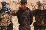 ذبح یک سرباز عراقی به دست داعش/تصاویر ۱۸+