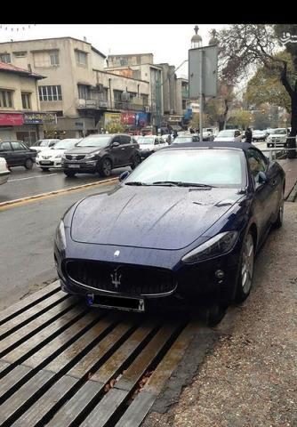 تبلیغ خودروهای بچه پولدارهای تازه به دوران رسیده بر در و دیوار شهر + عکس