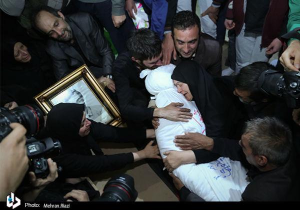وداع خانواده شهید سعید حیدری بعد از 30 سال+تصاویر
