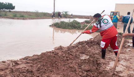 پیام جالب امدادگر بسیجی از مناطق سیل زده به مسوولین دولتی