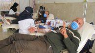 اهدای خون پدرانه برای زندگی دوباره بیماران در استان گلستان