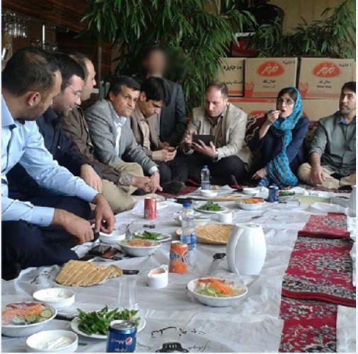 ناهار ۳میلیونی با حضور یاسر هاشمی و نماینده دانشگاه آزاد در فرحزاد + تصاویر