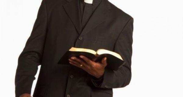 سرزنش کشیشان به دلیل افزایش فساد در جامعه