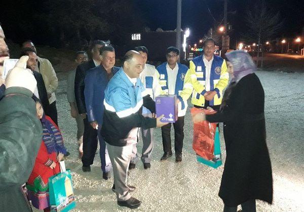 نخستین مسافران نوروزی ورودی به استان گلستان مورد استقبال قرار گرفتند
