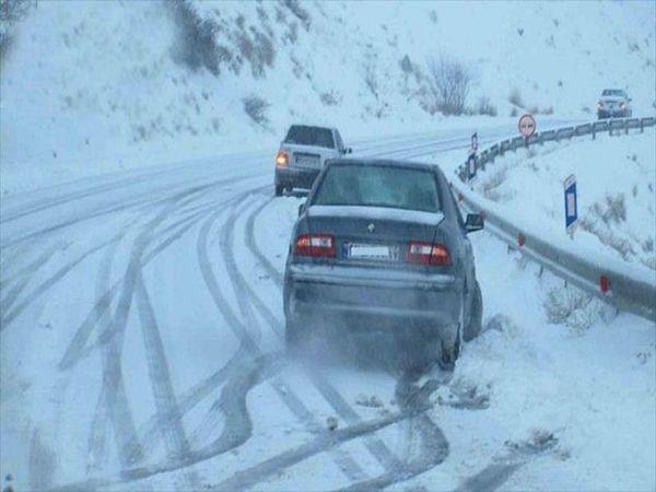 بارش برف و باران در گلستان/ رانندگان زنجیرچرخ همراه داشته باشند