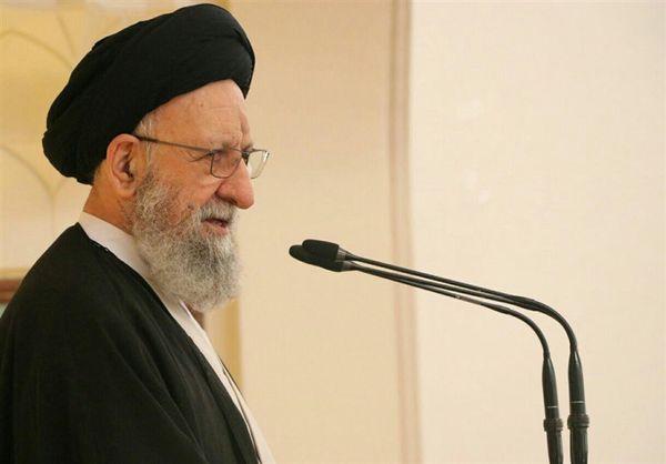 وحدت و همدلی از برکات برگزاری نماز عید فطر است