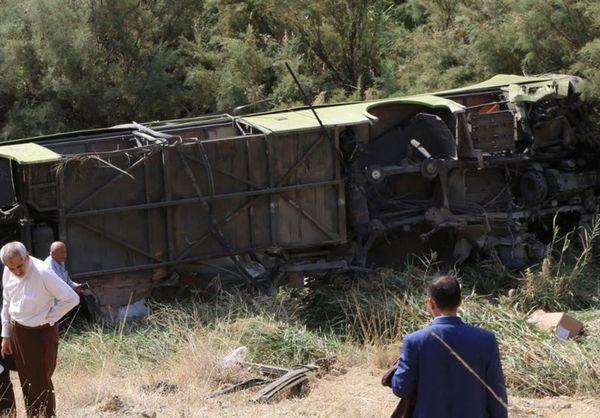 ۳۰ مصدوم بر اثر واژگونی اتوبوس زائران ایرانی در مرز مهران + تصاویر