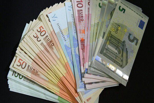 جزئیات قیمت رسمی انواع ارز/نرخ یورو کاهش و پوند افزایش یافت