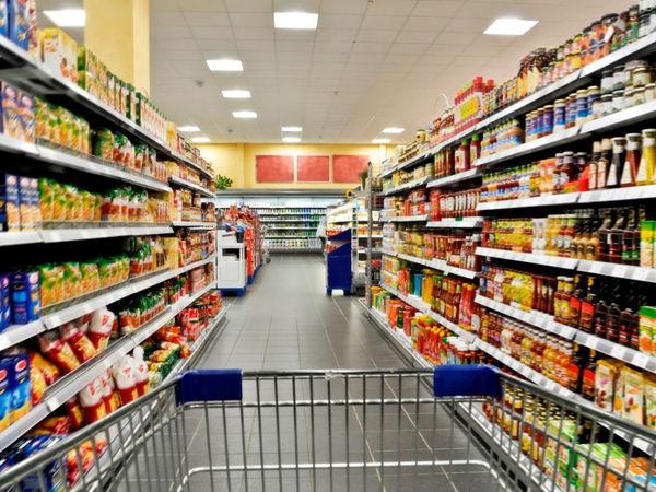 چرا قیمت کالاهای اساسی طی سال جاری در چندین مرحله افزایش یافت؟