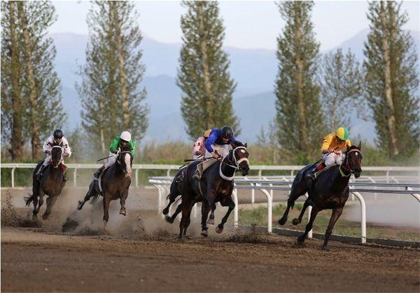 هفته نوزدهم مسابقات اسبدوانی کورس پائیزه در گنبدکاووس برگزار شد
