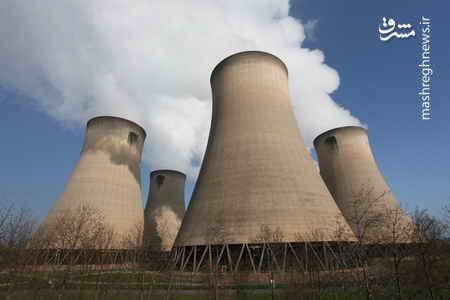 فیلم/ انفجار و تخریب برجهای نیروگاه انگلیس