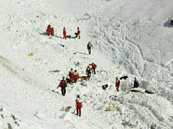 نجات ۲ کوهنورد گمشده در ارتفاعات رامیان