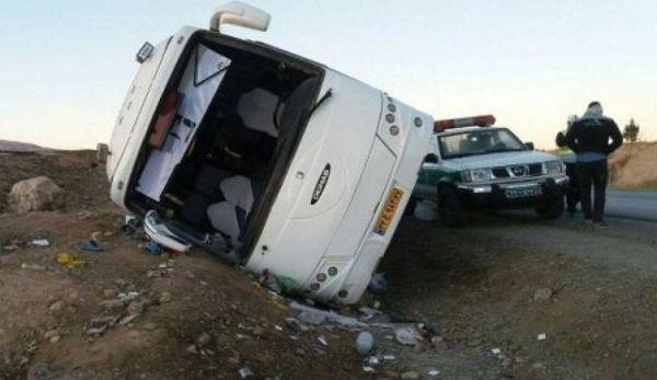 تخطی از سرعت مطمئنه علت واژگونی اتوبوس حامل اتباع هندوستان