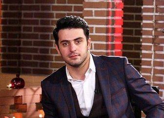 مجری مشهور تلویزیون در ورزشگاه آزادی + عکس