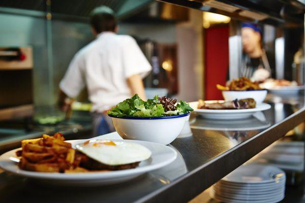 غذای رستوران را در منزلتان میل کنید