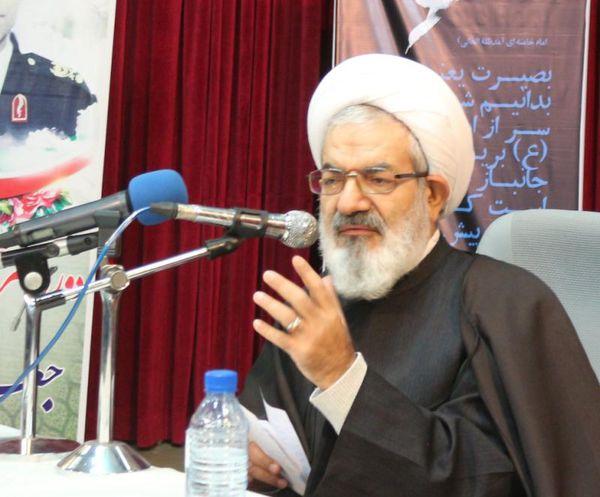 تاکید بر توسعه نماز، فرهنگ قرآن و مهدویت در جامعه