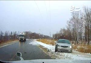 فیلم/ از دردسرهای یخزدن جادهها