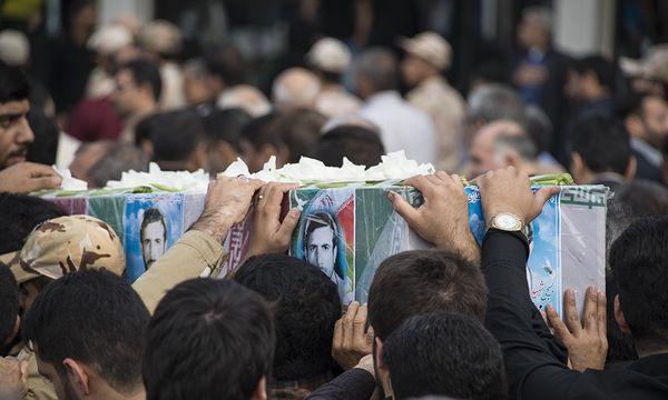 فیلم/ ورود پیکرهای مطهر ۲۶ شهید تازه تفحص شده به میهن