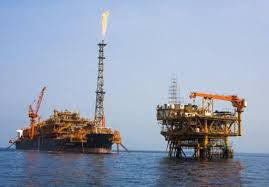 فیلم/ عملیات نصب سکوی 13A در خلیجفارس