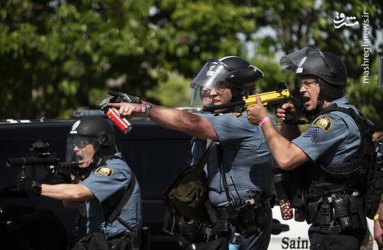 فیلم/ سیبلهای عجیب پلیس تیرانداز آمریکایی!