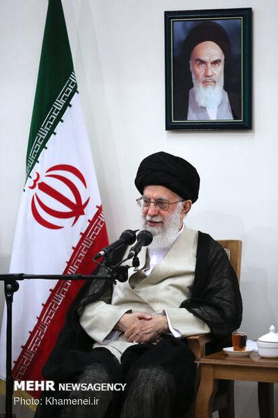 دیدار دستاندرکاران کنگره شهدای استان کردستان با مقام معظم انقلاب