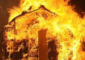آتش سوزی منزل مسکونی در گنبد منجر به مرگ یک زن شد
