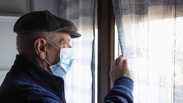 چه کار کنیم حوصله سالمندان در قرنطینه سر نرود؟