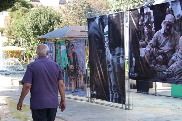 میدان بزرگ منطقه هشت با « نگارگذر عاشقی» و منتخب عکس های آیینی محرم آذین شد