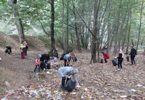 بخشی از پارک ملی گلستان از زباله پاکسازی شد