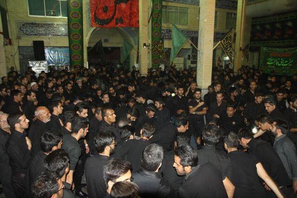 گلستان در شب رحلت پیامبر اکرم (ص) و امام حسن (ع) غرق عزا و ماتم بود