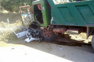 مرگ 3 مسافر زیر چرخ کامیون +تصاویر