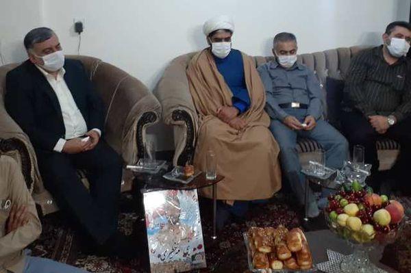 برنامه ترنم خاطره ها در منزل شهید نبی الله خطیری برگزار شد