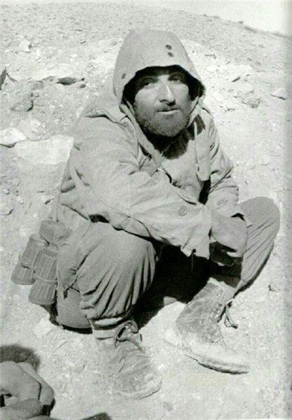 شهید باکری در اوج خستگی+عکس