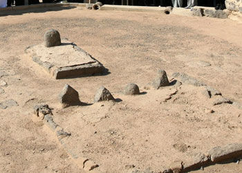 کسی که دستور تخریب قبرستان بقیع را داد!