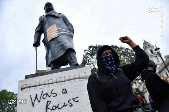 فیلم/ درگیری با پلیس لندن در مقابل مجسمه چرچیل